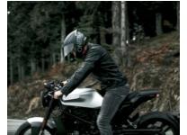 Straßenhelm von Oneal mit Motorrad